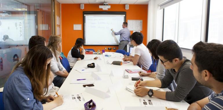 cours anglais voyage langue etudiant classe