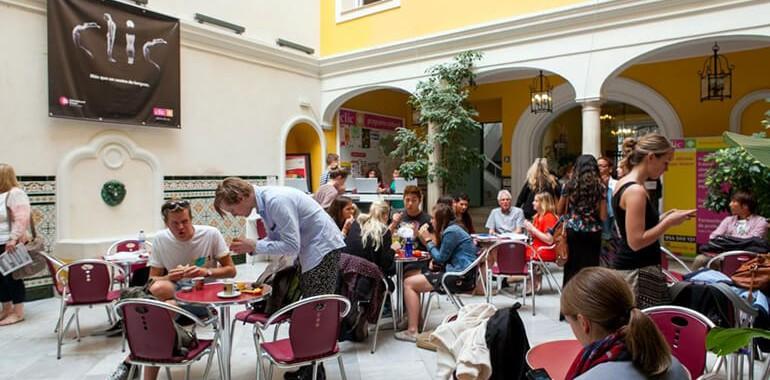 ecole clic voyage langue clic sevilla patio 5