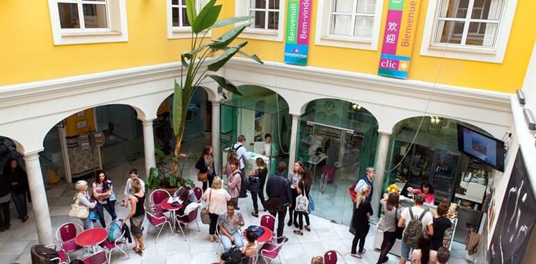 ecole clic voyage langue clic sevilla patio