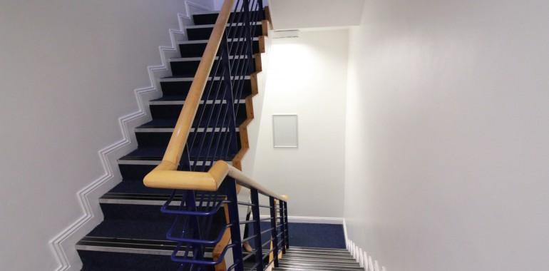 escalier building sejour linguistique apollo voyage langue