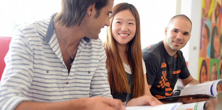 etudiants apollo sejour linguistique apollo voyage langue