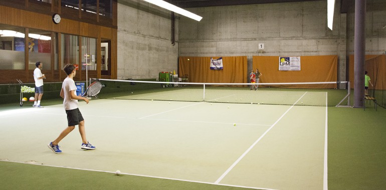 english summer camp tennis en suisse