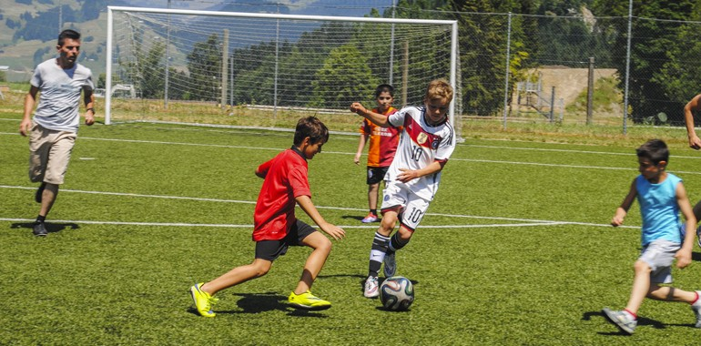 sejour linguistique football enfant ado suisse