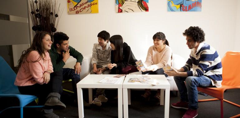 S jour linguistique 2 semaines de cours d 39 anglais intensif for Cours anglais salon de provence