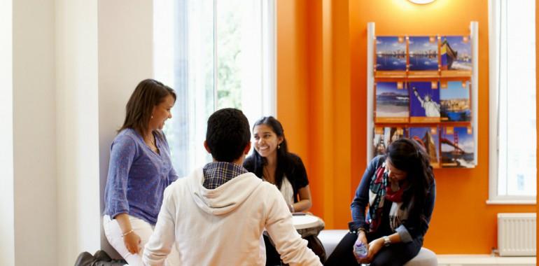 S jour linguistique 2 semaines de cours d 39 anglais standard bristol en angleterre ec english - Salon sejour linguistique ...