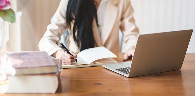 Séjour linguistique 1 mois de cours d'anglais en ligne à ...